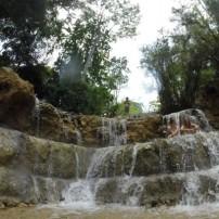世界遺産ルアンパバーンの托鉢とクアンシーの滝